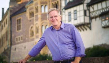 Travel guru Rick Steves joins the Pops for a musical adventure thru Europe
